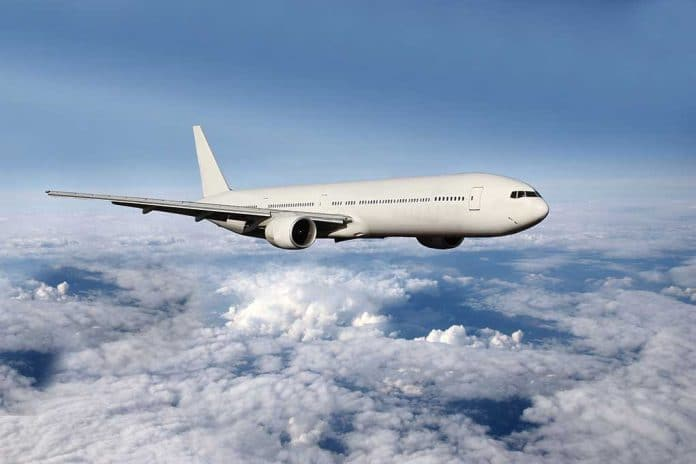Vaccine Mandates Rejected by 3 Major Airlines